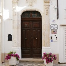 The streets of Monopoli 01