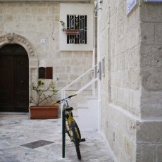 The streets of Monopoli 02