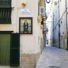 The streets of Monopoli 06