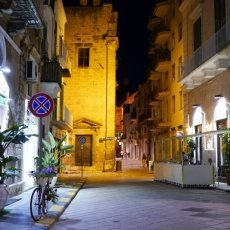 The streets of Monopoli 12