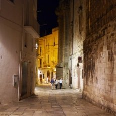 The streets of Monopoli 13