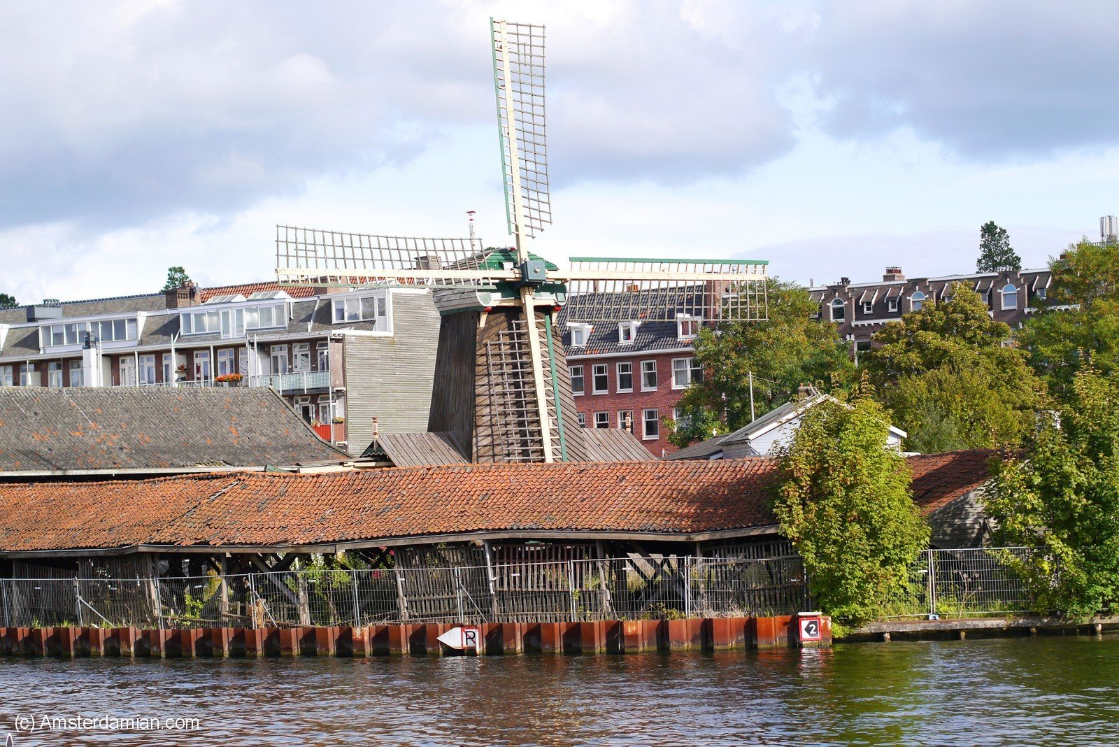 Wilde Westen  Bos en Lommerplantsoen 1  Amsterdam