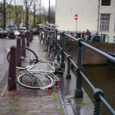 A bike fell victim to the wind