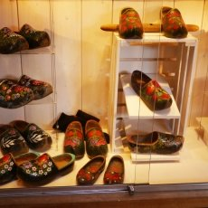 Clogs Factory 06