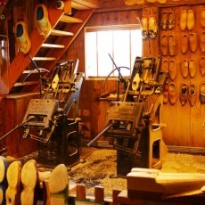 Clogs Factory 11