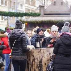 Cologne Christmas Market - people