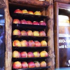 Cologne Christmas Market - apples