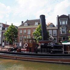Dordrecht harbour 16