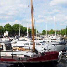Dordrecht harbour 19