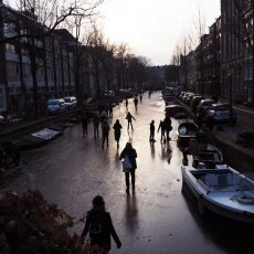 Skating on frozen canals in Amsterdam 09