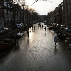 Skating on frozen canals in Amsterdam 20