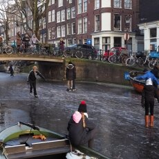 Skating on frozen canals in Amsterdam 14