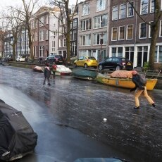 Skating on frozen canals in Amsterdam 16