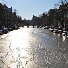 Frozen Canals Amsterdam 01