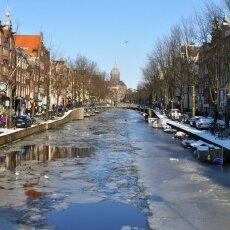 Frozen Canals Amsterdam 04