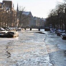 Frozen Canals Amsterdam 05