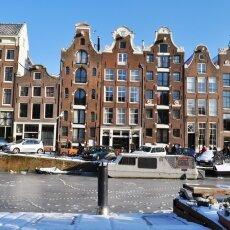 Frozen Canals Amsterdam 08