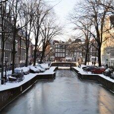 Frozen Canals Amsterdam 17