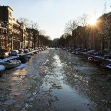 Frozen Canals Amsterdam 23
