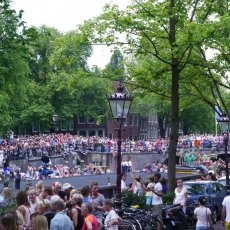 Gay Pride Parade 08 - Prinsengracht entrance