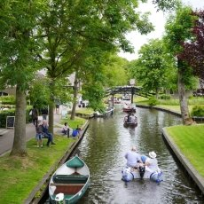 Giethoorn - the tourists 07