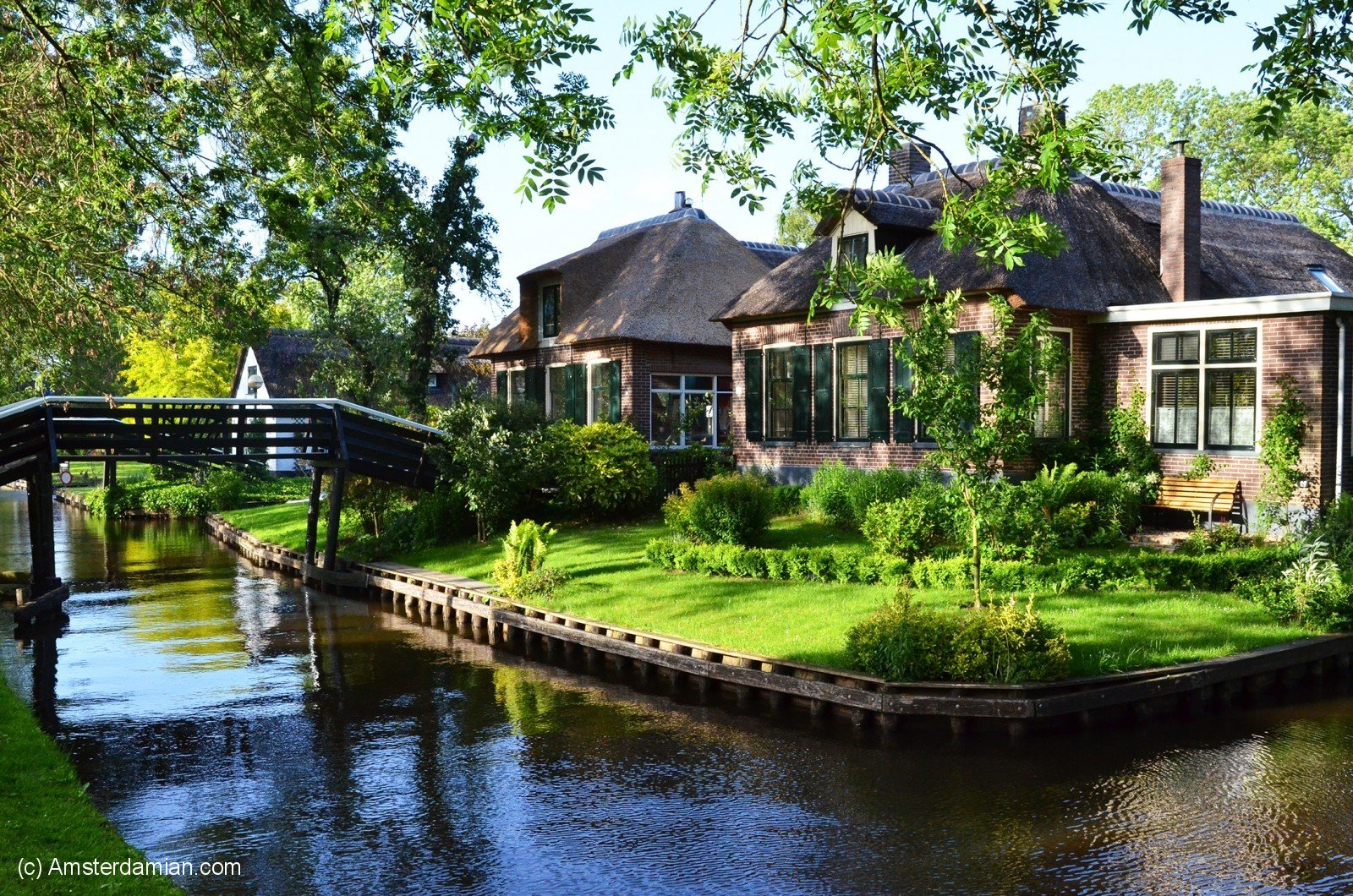 A Magical Place Giethoorn The Village With No Roads