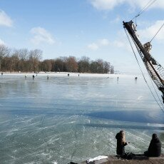 Skating on natural ice in Hoorn 03
