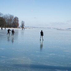 Skating on natural ice in Hoorn 06