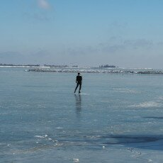 Skating on natural ice in Hoorn 08