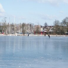 Skating on natural ice in Hoorn 09