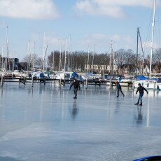 Skating on natural ice in Hoorn 14