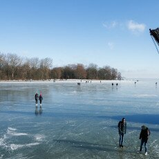 Skating on natural ice in Hoorn 22