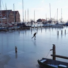 Skating on natural ice in Hoorn 25