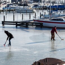 Skating on natural ice in Hoorn 28