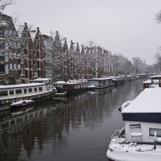 Snowing over the canal