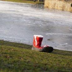 Frozen lakes Vondelpark 15