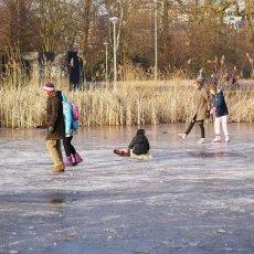 Frozen lakes Vondelpark 19