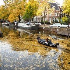 Amsterdam in yellow coat 02