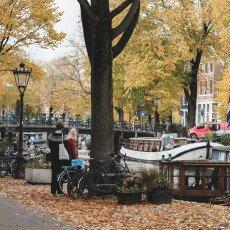 Amsterdam in yellow coat 03