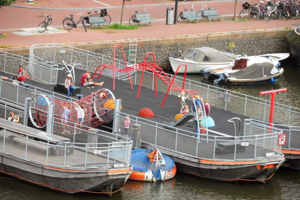 Playground on a boat on Westerdok