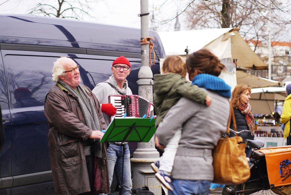 Man singing at Noordermarkt