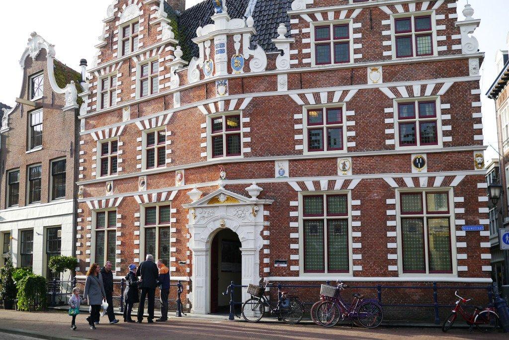 Hoorn streets 01