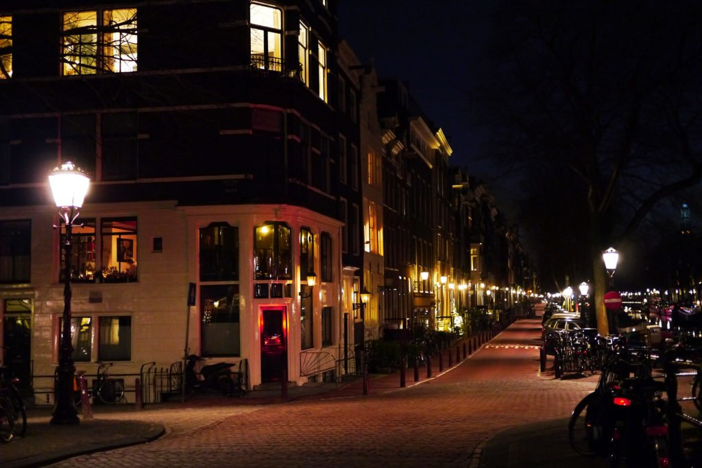 Cosy Amsterdam at night
