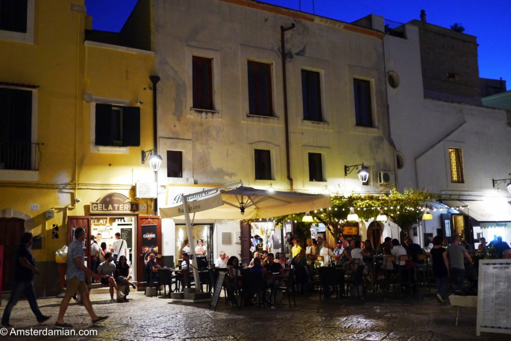 Monopoli at night 04