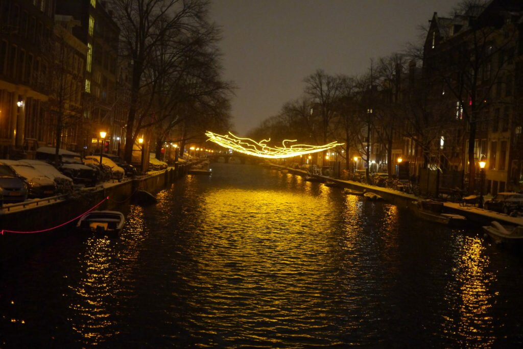 Snowy evening Amsterdam 02