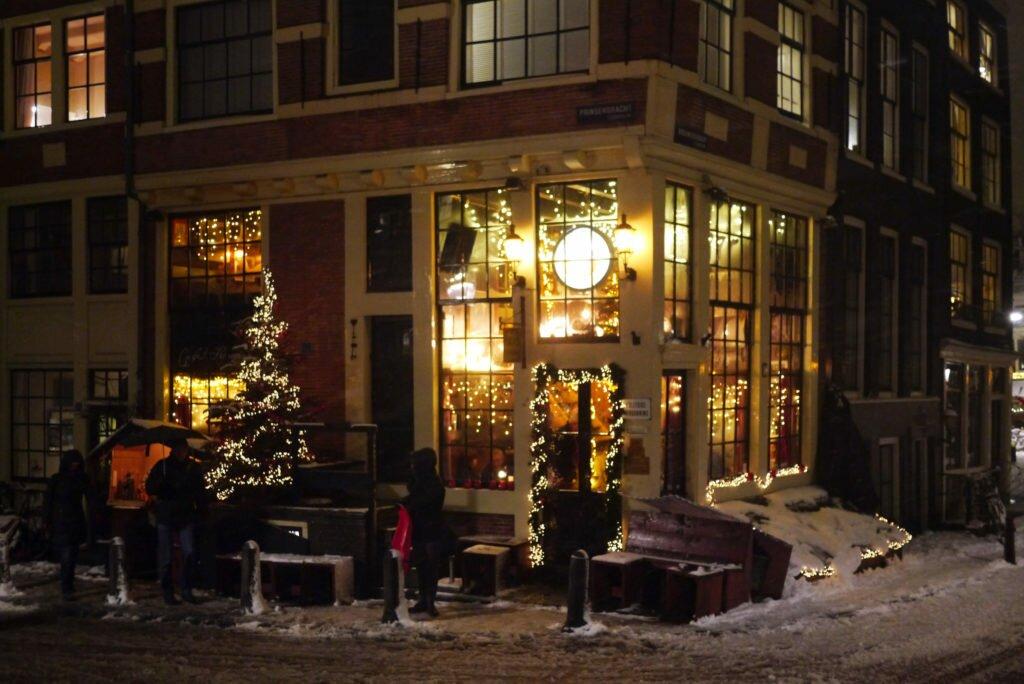 Snowy evening Amsterdam 06
