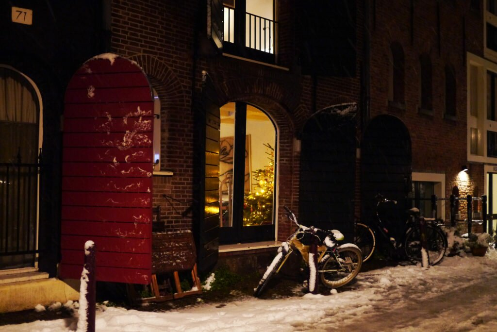 Snowy evening Amsterdam 10