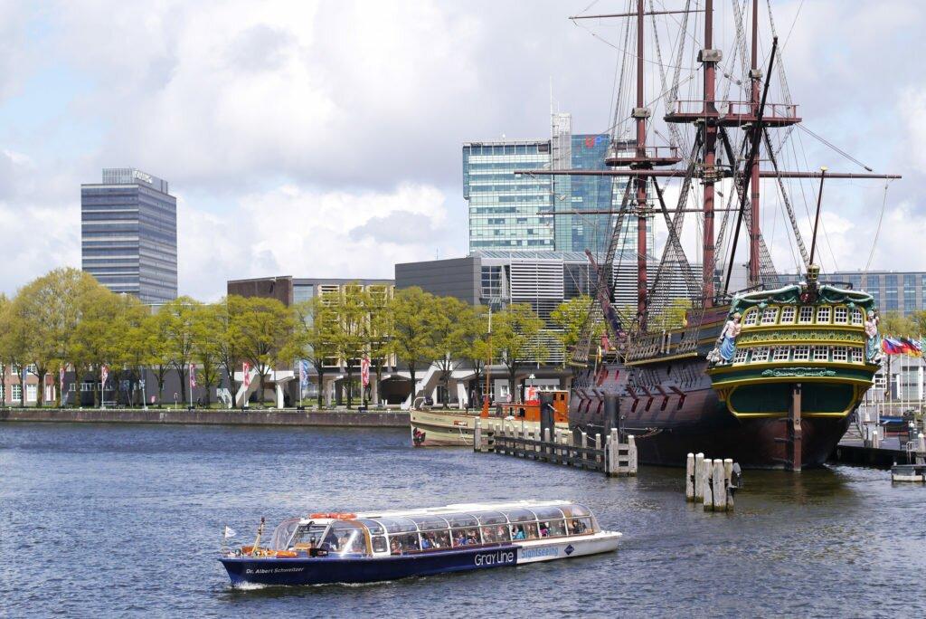 View over Het Scheepvaartmuseum