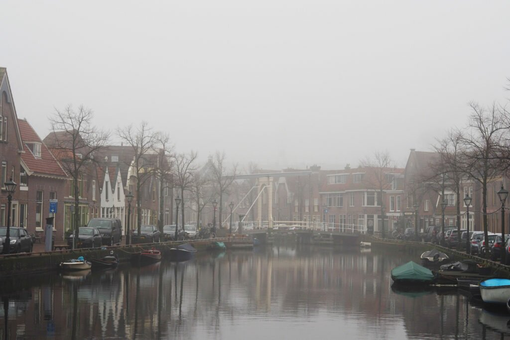 Misty day in Alkmaar 01