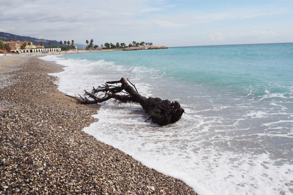 Menton beach 07